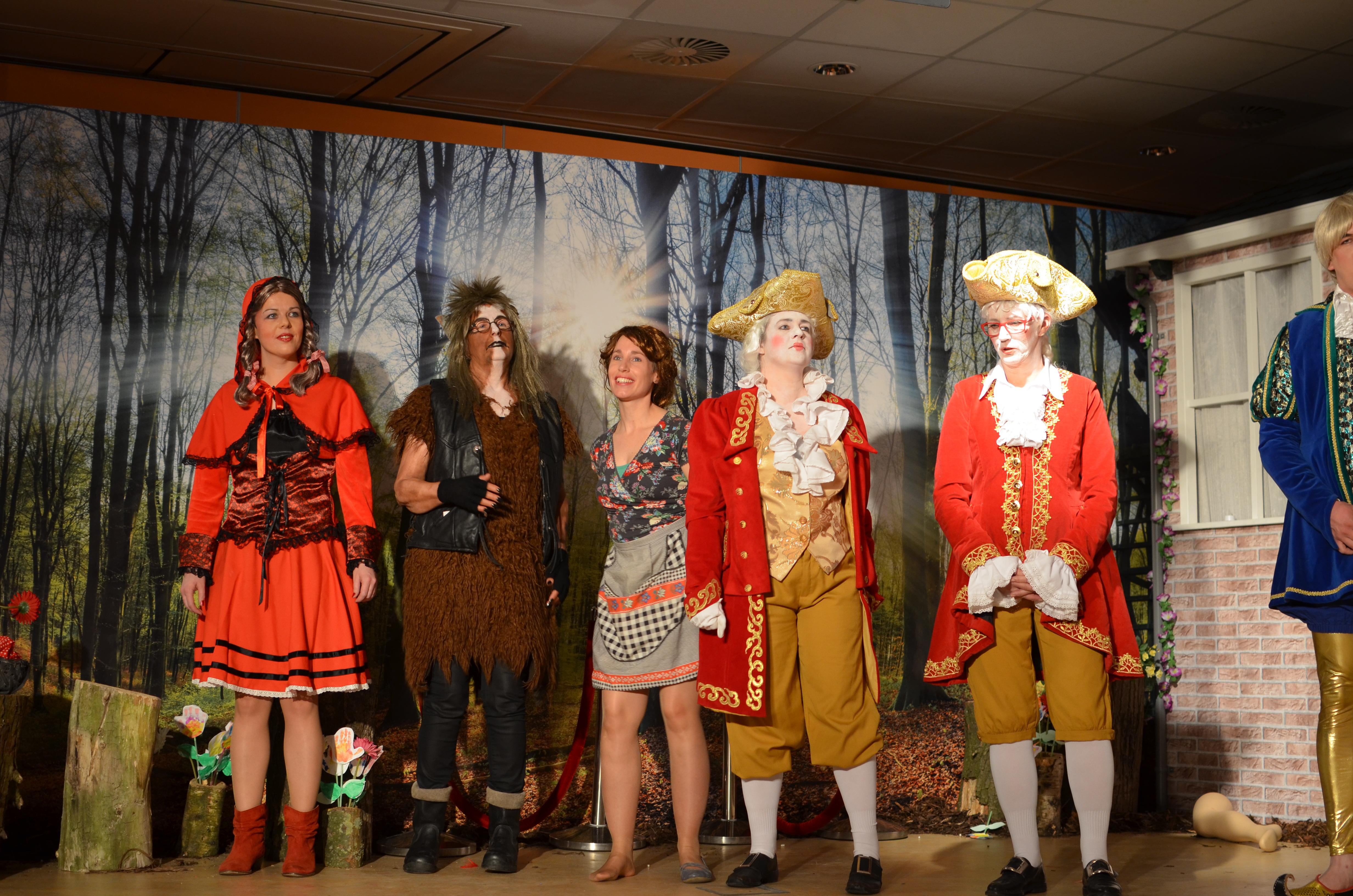 Het tienjarig sprookje van toneelvereniging Yn 'e Djippert